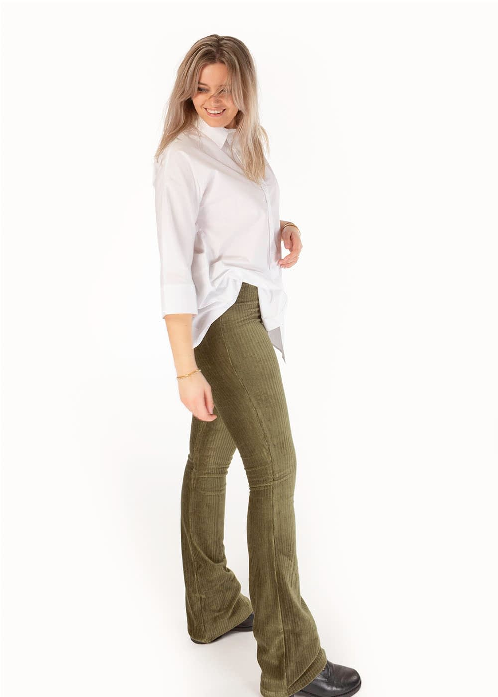 Ribbed flared pants groen